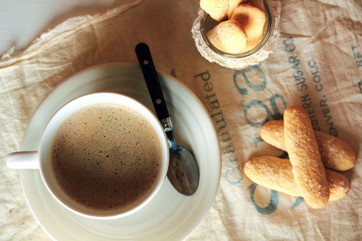 Savoiardi biologici con il caffè