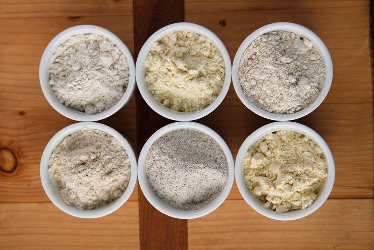 Diverse varietà di farina