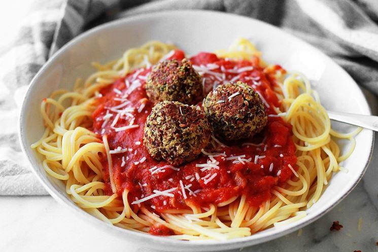Spaghetti con sugo e polpette