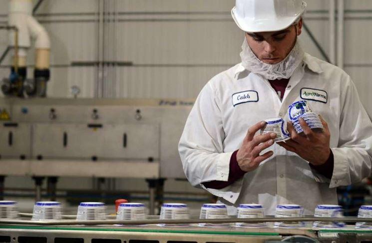 Yogurt prodotto industrialmente