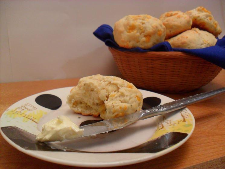 Biscotti con latte e burro