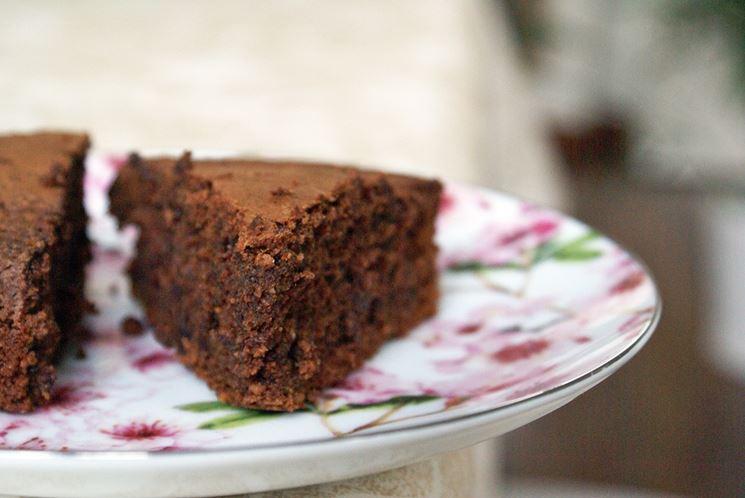 Una gustosa torta al cioccolato senza lattosio