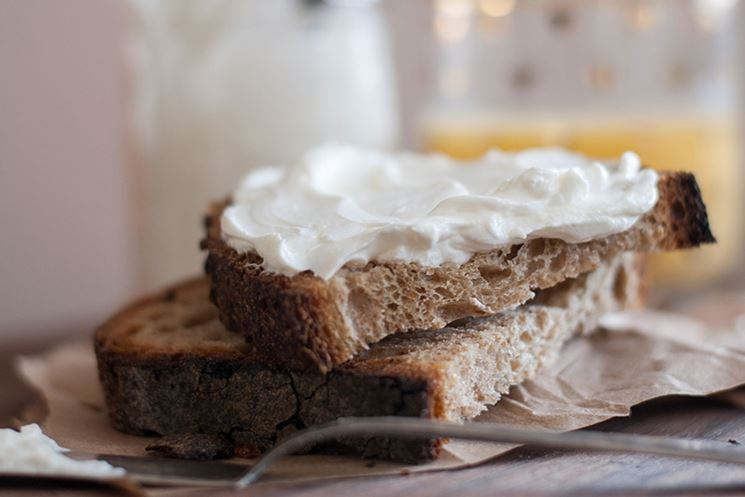 Formaggio spalmabile privo di glutine e lattosio
