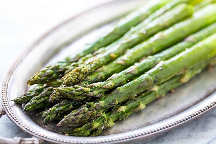 Mazzetto di asparagi per le crepes