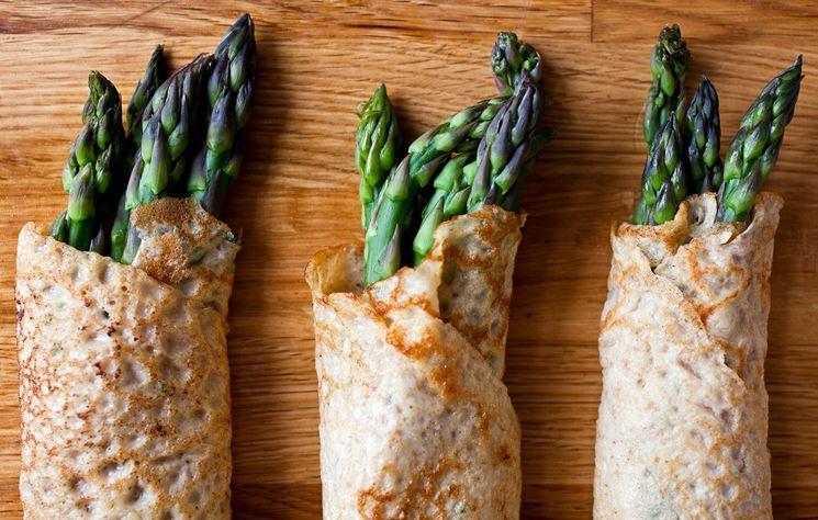 Crepes con asparagi e piselli