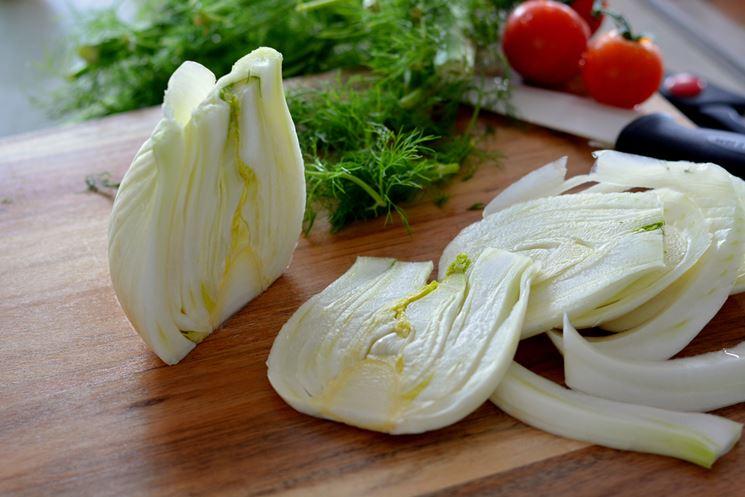 Finocchio e pomodori per fare una bella insalata
